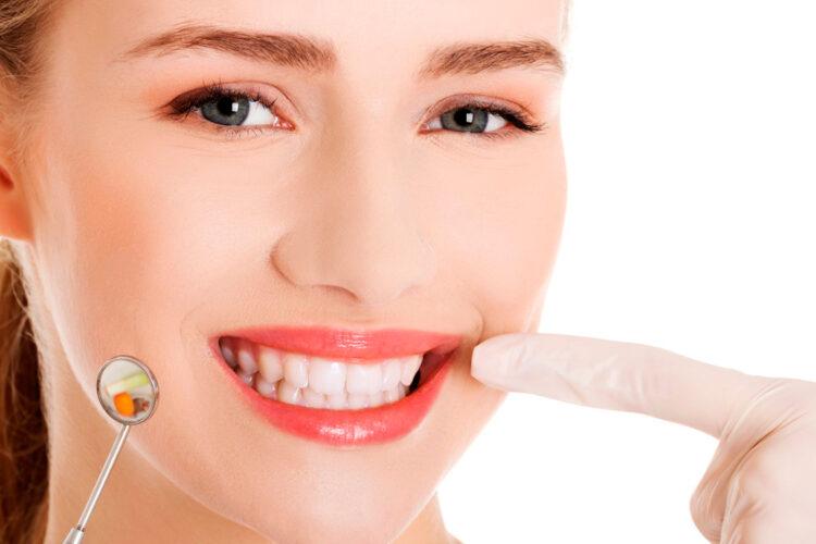 Как снять зубной налёт? Советы стоматолога